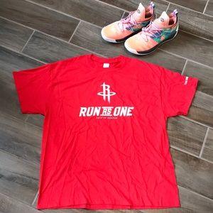 Houston Rockets, Run as One T-shirt size XL.